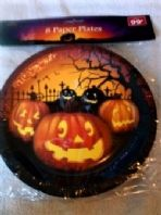 Pack of 8 Halloween paper plates (Code 3842)
